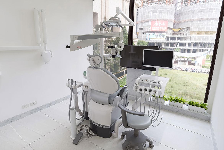 專科診間都配有一台根尖x光機 病患不用為了拍根尖片而離開診間